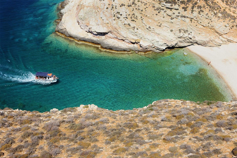 diaplous-travel-beaches-livadaki-1