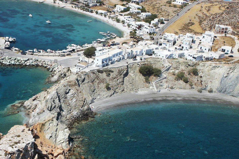 diaplous-travel-beaches-vardia-1