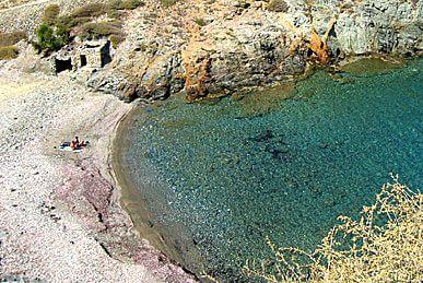 folegandros-lygaria-beach